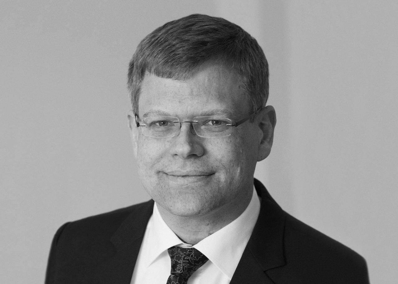 Dr. René Backes
